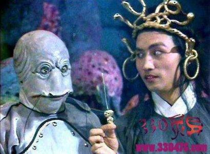 西游未解之谜:龙婆无意间说漏嘴,揭露了孙悟空不杀九头虫的秘密