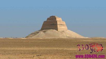 古埃及少女的骸骨在有4600年历史的金字塔底部出土