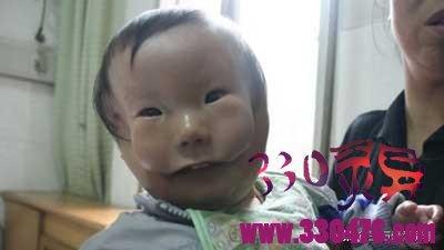 """江西有个""""面具娃娃"""" 事实上他并沒有戴面具"""
