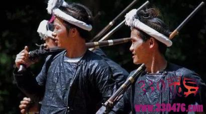 镰刀剃头:岜沙苗人保留几千年的习俗