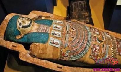 古埃及法老们被制作木乃伊时,为何唯独留下心脏在体内?