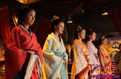 皇帝大婚当晚,皇后必须先吃子孙饽饽一种没有煮熟的饺子