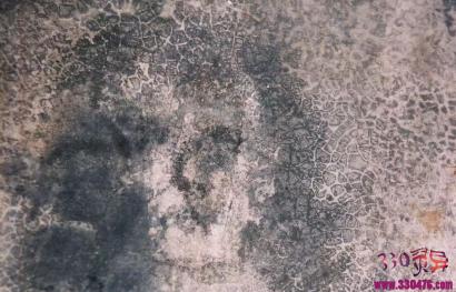 西班牙玛丽亚地板人脸诡异中带着惊悚的神秘脸孔,怎么洗都洗不掉!