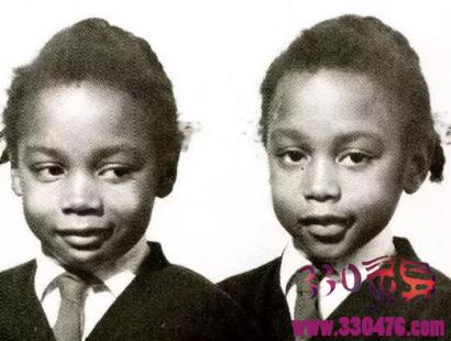 说鬼话的黑人女童朱恩、詹妮弗,双胞胎极度诡异,还互相想弄死对方...