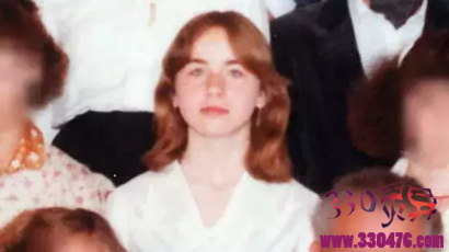 奥地利约瑟夫·弗里茨尔性虐女儿伊丽莎白·弗里茨尔24年,被狱友肛疯......