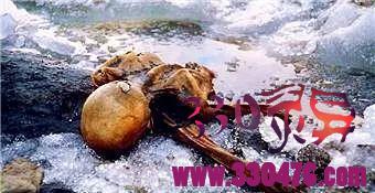 奥茨冰人:夫妇到一地登山,发现一具赤裸干瘪的尸体吓坏,报警后举世哗然