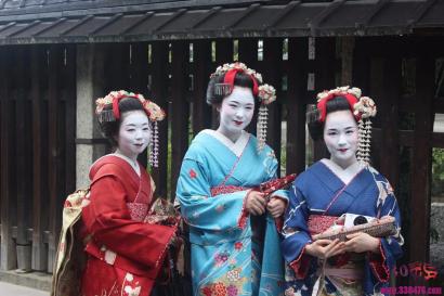 """为何日本女人背个""""小枕头"""",武士则背个大包袱?"""
