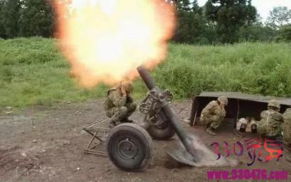迫击炮咋瞄准,用大拇指瞄能对准吗?