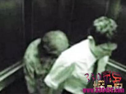 来福士广场电梯闹鬼实拍:上海电梯闹鬼事件真相,两男子遭恐怖鬼阿婆尾随