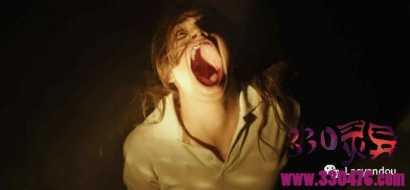 西班牙灵异事件,女高中生玩碟仙被老师打断,6个月后神秘死亡!