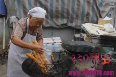 卖豆腐总少钱,却救了女尸上的孩子……