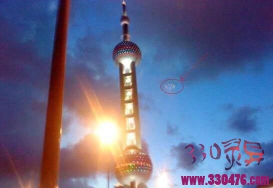 上海东方明珠雷电渡劫