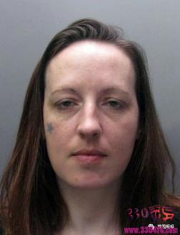 英国女连环杀手乔安娜·丹尼希(Joanna Dennehy)10日虐杀3人!被捕后竟面带笑容和警察调情?