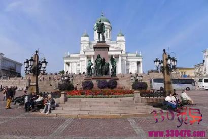 芬兰:非常强悍,俄罗斯都不敢轻易招惹,现在国家富得流油