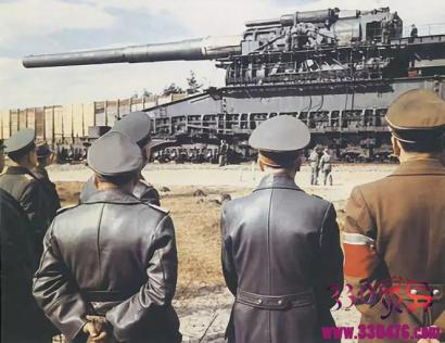 巨大化武器:齐柏林飞艇,日耳曼尼亚,苏维埃宫,陆地巡洋舰P1500型坦克,古斯塔夫列车炮,科拉超深井...