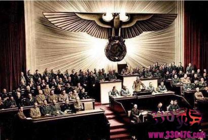 """纳粹德国自称""""德意志第三帝国"""",那""""第一""""和""""第二""""是谁?"""