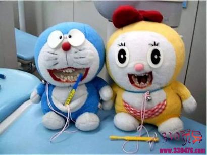 诊所里的假牙玩偶,渗人可怕!