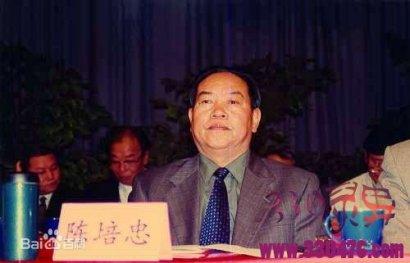 孙小果的爹是陈培忠还是李桥忠并不重要