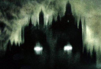 凶宅、门神、隔壁的声音...那些听网友讲的离奇灵异故事...