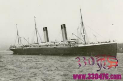 """泰坦尼克号最后一艘救生艇影像曝光,凭礼服认出""""腐尸是头等舱贵族""""Thomson Beattie!"""