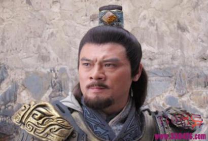 张绣叔叔张济,率军攻打刘表,结果中箭身亡