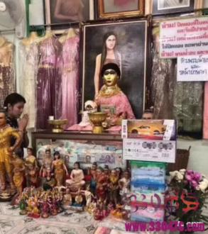 除了鬼妻娜娜庙外,泰国双头婴灵庙这个阴庙也非常有名!